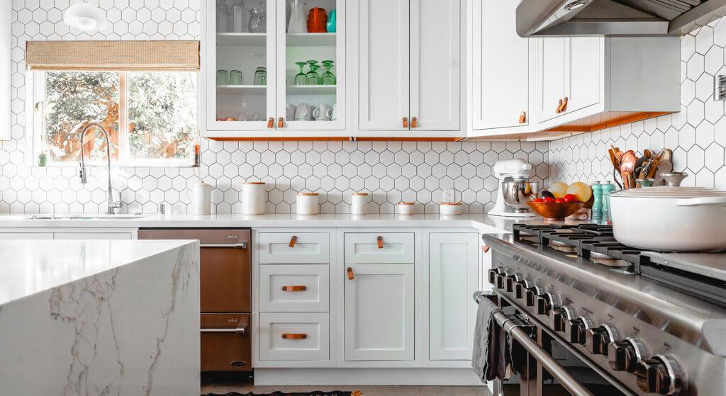 kitchen backslash tile and cabinets